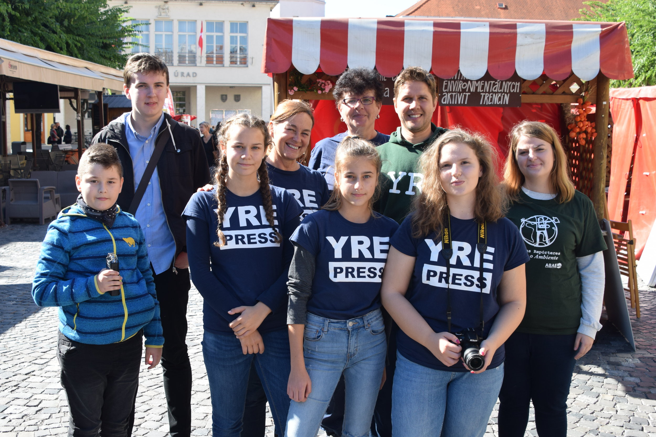 Young Reporters cover the local and organic food fair organized by our NGO in Trenčín