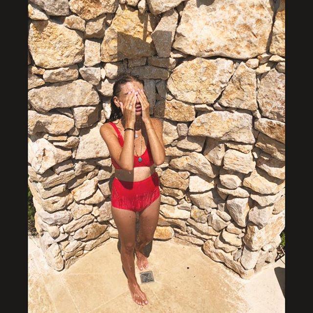 Summer hot ❤️🌈 #happiness #summervibes #ModelRock #jillswimwear