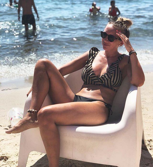 What's wearing ? #modelSuzanna #summervibes #happiness #jillswimwear