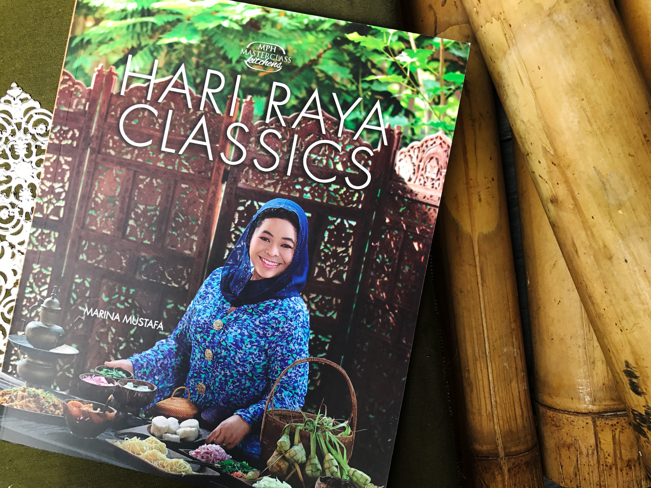 Hari Raya Classics - All the classic Hari Raya dishes is compiled in this one book. The treasures of Hari Raya..like Rendang of every state, Serunding, Lemang & Ketupat are all gathered in Hari Raya classics for past, present & future generations. There are also step by step tips & guides on how to make Hari Raya preparations a breeze.