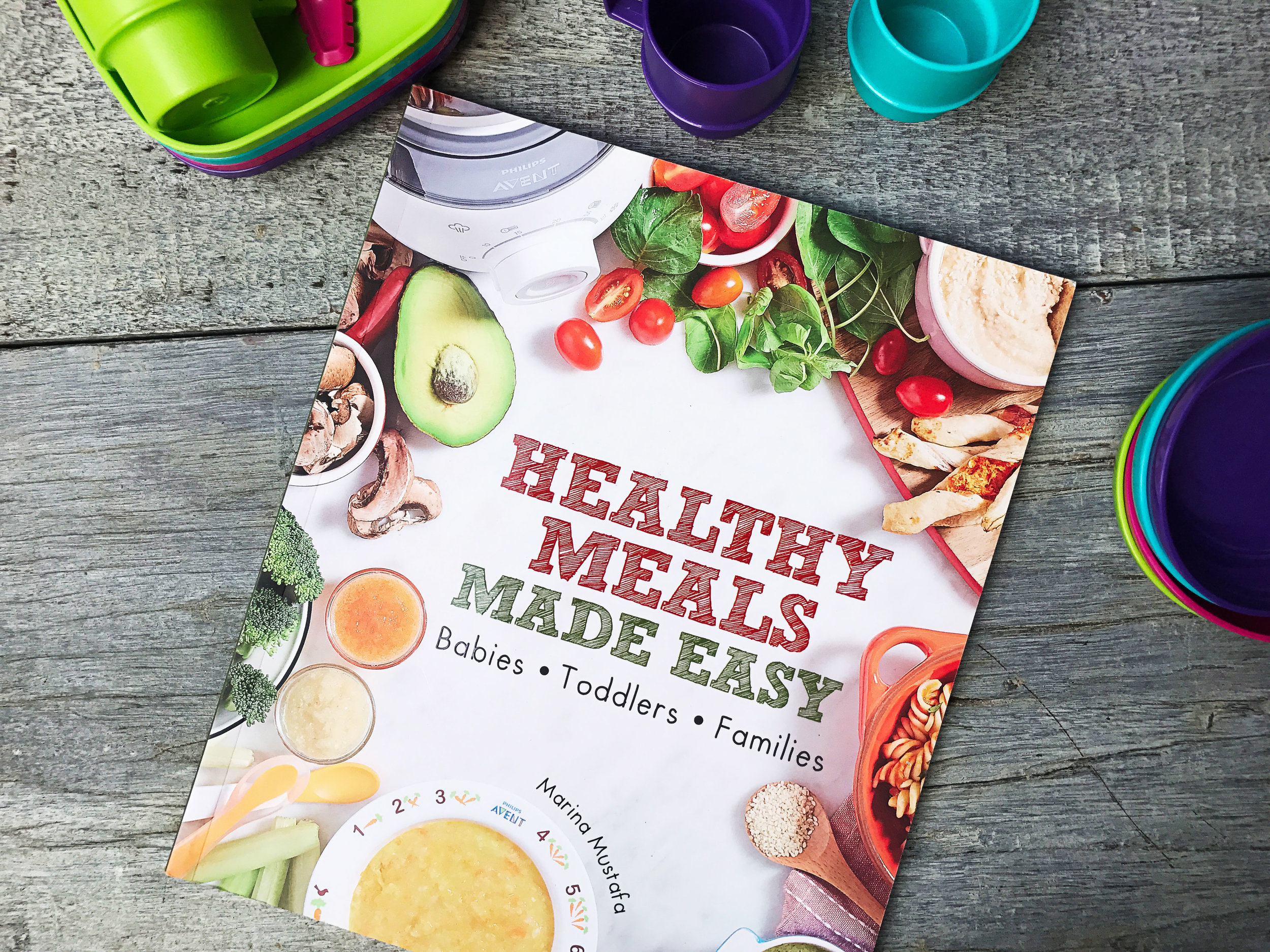 Healthy Meals Made Easy - A comprehensive cookbook, comprising of mouth-watering recipes, a menu-planning guide, myths vs facts of breastfeeding, tips on dealing with colic babies and a nutritional value for every single recipe. Month to month recipes for toddlers from the age of 6 months to 12 months and ideal for the whole family. A collaboration with Philips Avent using the Steamer Blender for each recipe.