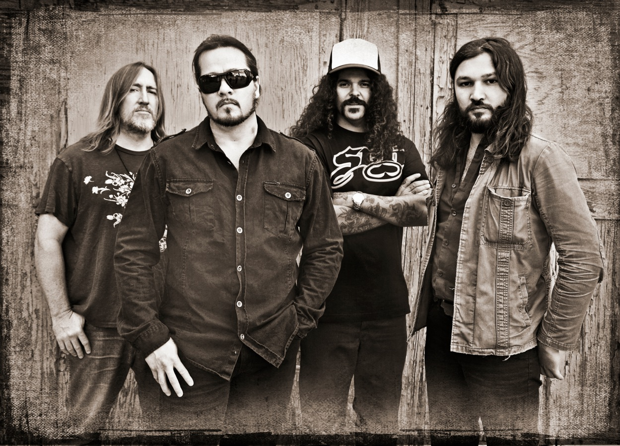 KYUSS LIVES