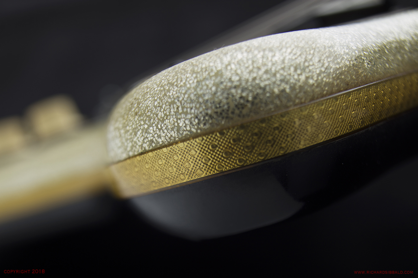 EKO-60-1100-MB-2-GOLD-SPARKLE-NSN-071.jpg