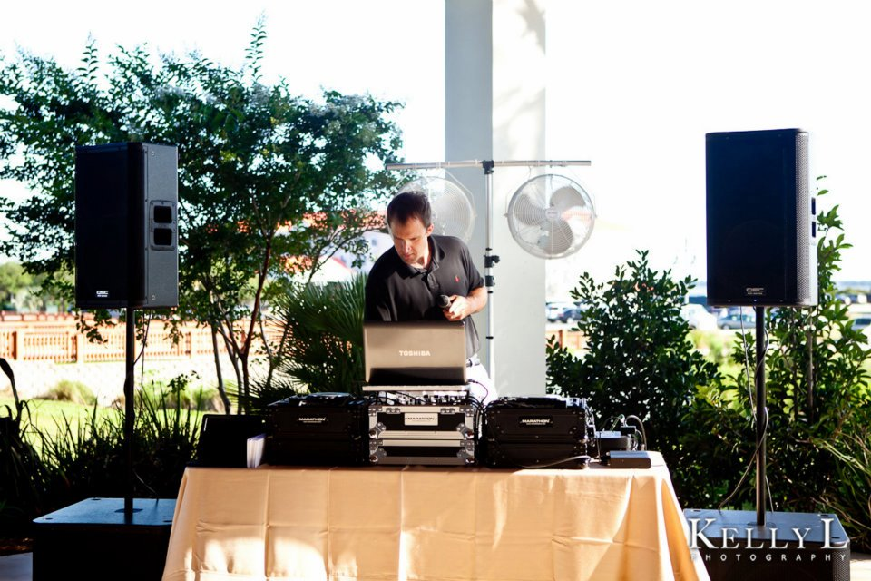 DJ Mike Bills