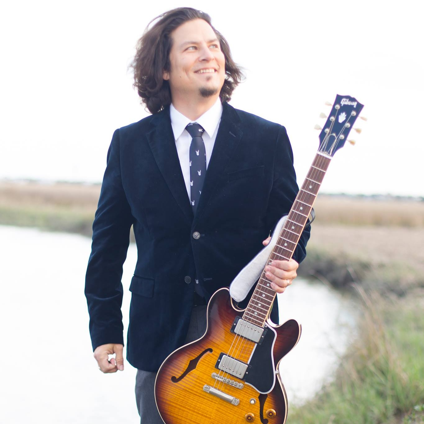 Christopher Andrews   Solo Acoustic, Electric Guitarist  Jazz, Rock, Pop