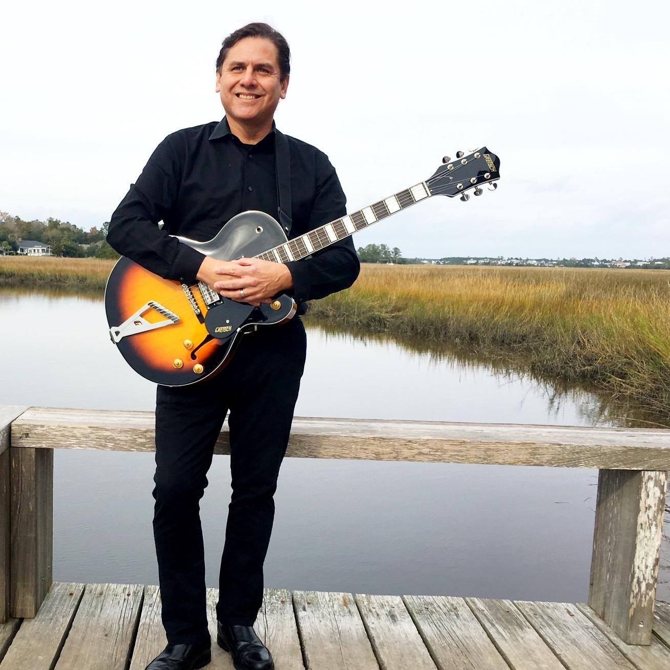 Dave Landeo   Solo Guitarist, Vocalist  Variety
