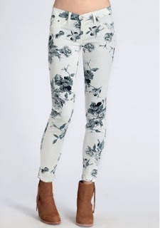floral+pants+sincerely+jules+inspired+louboutins+and+love+fashion+blog+personal+style+shirt+skirt+shorts+summer+spring+fall+look+pretty+beautiful+want+model+shopping+buy+clothes+closet+rayban+trend+wedge+sneakers+michael+kors+watch.jpg