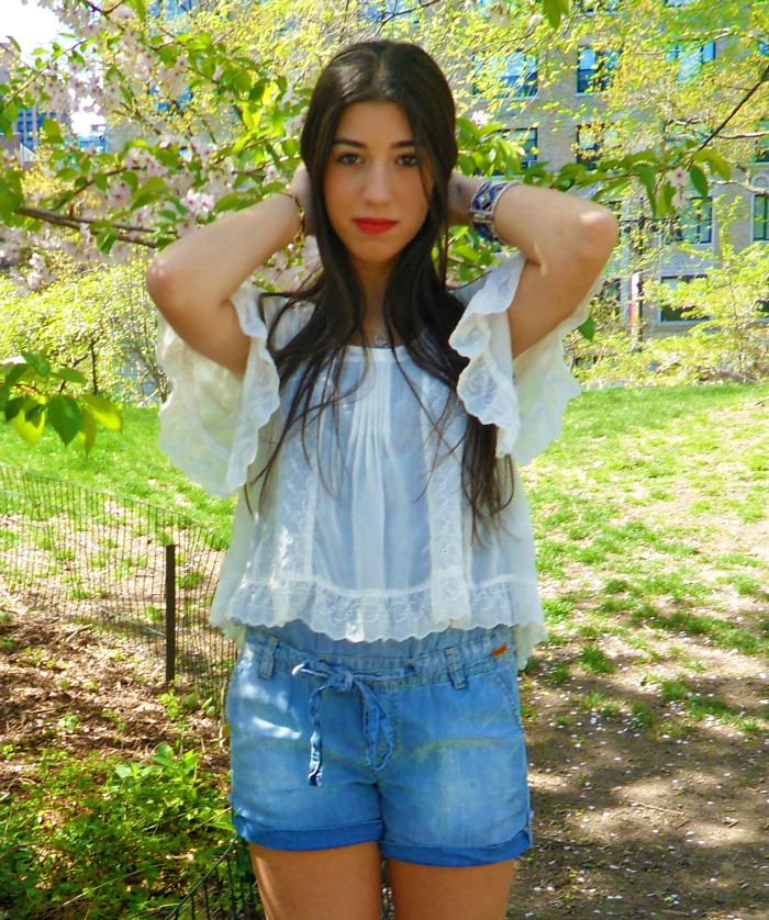 one+jean+romper,+two+ways+to+wear+it+louboutins+and+love+fashion+blog+personal+style+lifestyle+white+shirt+ruffles+blue+denim+fur+booties+shoes+red+lips+brunette+central+park+beautiful+pretty+model+bracelet+jewelry+top.png