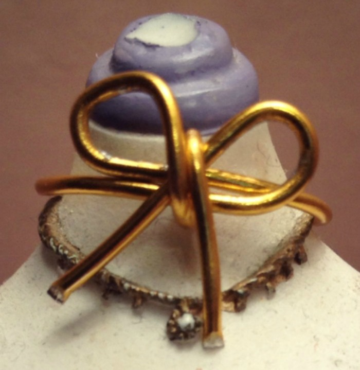 DIY+bow+ring+step+3+louboutins+and+love+fashion+blog+tutorial+style+want+18+gauge+metal+wire+gold+easy+how+to+beautiful+trend+s.jpg