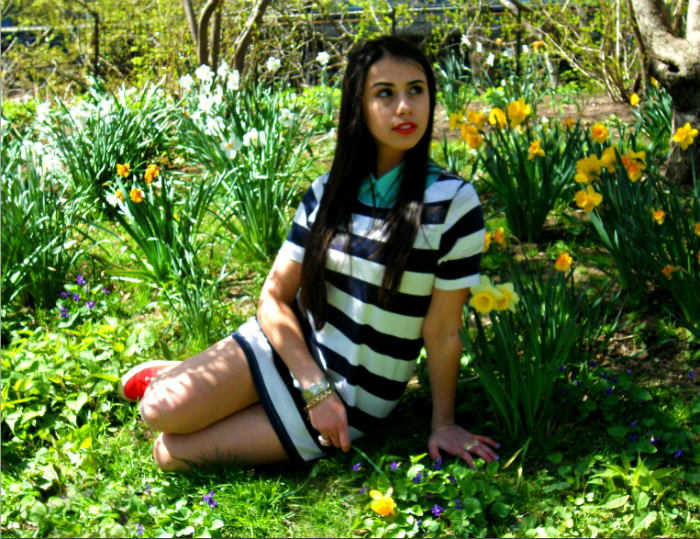 bold+stripes+and+bright+colors+red+supergas+blue+and+white+green+collar+neon+flowers+floral+yellow+ring+topshop+louboutins+and+love+fashion+blog+hair+beautiful+style+want+tan+nature+photoshoot+central+park+nyc+manhattan+model+jewelry+ring+bracelet+.png