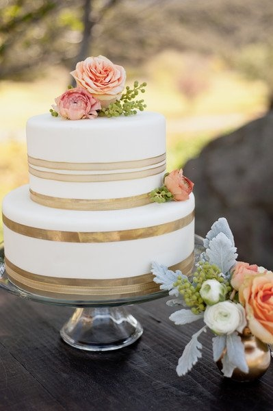 15 Wedding Cake Ideas Wedding Wednesday Esther Santer Fashion Blog NYC Street Style Blogger WeddingWire Pretty Vanilla Colorful White Pink Flowers Gold Red Elegant Design Rose Fondant Frosting Trendy Bride Fancy Rustic Layers Save Inspiration Inspo.jpg