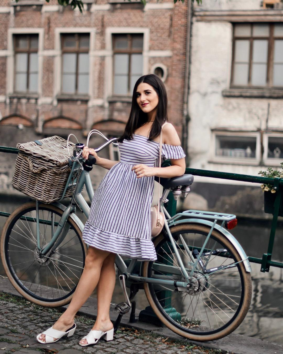 Belgium Travel Guide Bruges Ghent In 4 Days Esther Santer Fashion Blog NYC Street Style Blogger Outfit Sight Seeing Tourist Shop What How To Wear Expore What To Do Vacatiom Itinerary Short Stopover EuroTrip Europe Layover Summer  Destination Country.jpg