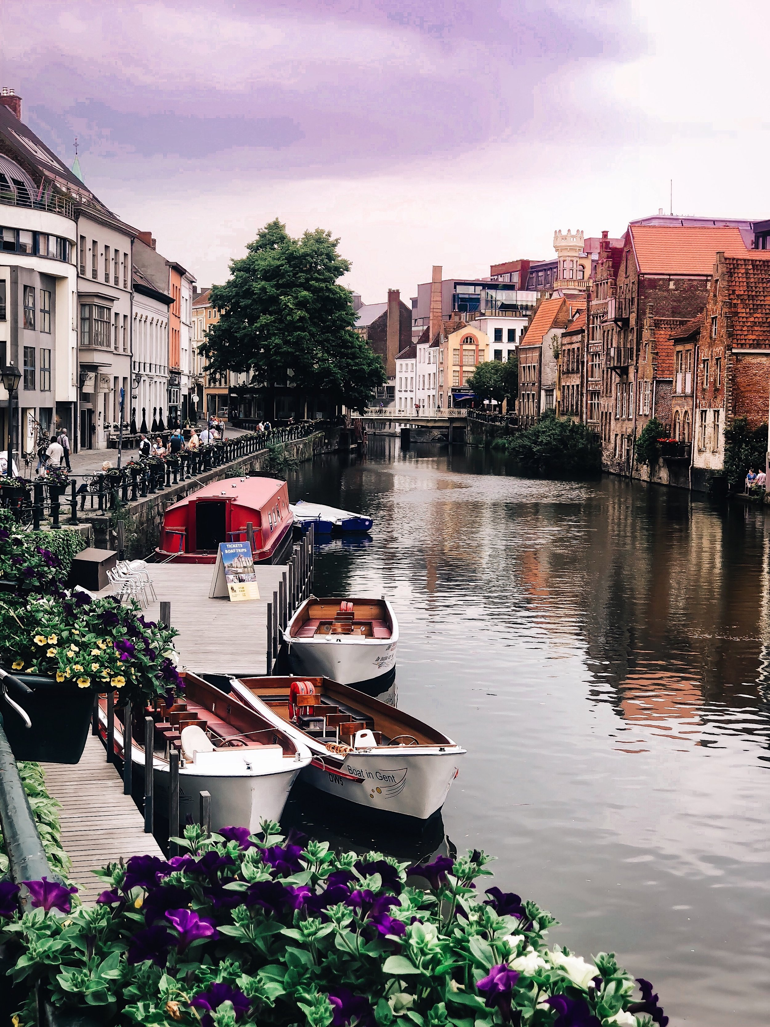 Belgium Travel Guide Bruges Ghent In 4 Days Esther Santer Fashion Blog NYC Street Style Blogger Outfit Sight Seeing Tourist Shop What How To Wear Expore What To Do Vacatiom Itinerary Short Stopover EuroTrip Europe Summer Layover Activities Suggestions.jpg