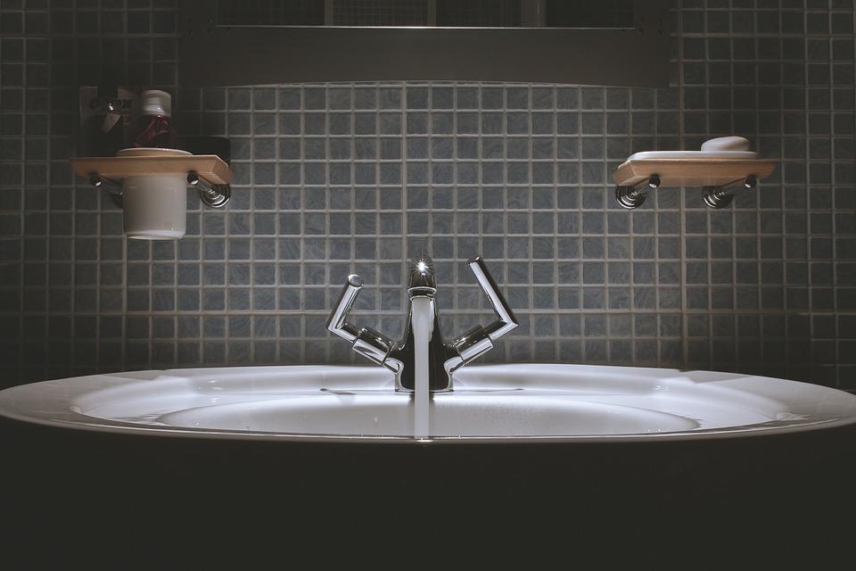bathroom-690774_960_720.jpg