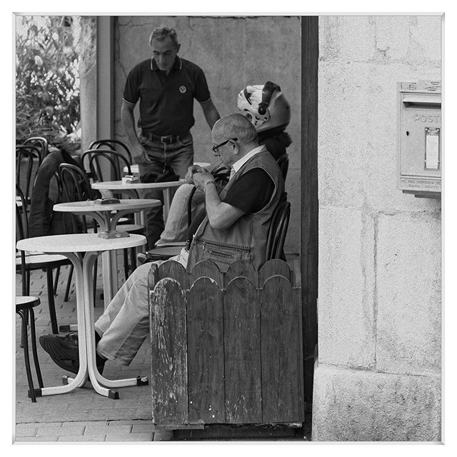 20190617 #people #bistrot #terrasse #city #blackandwhite #blackandwhitephotography