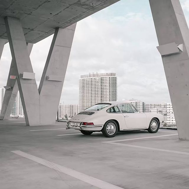 Check out the new article about my 912 and 993 at @carphiles (Link in bio) Stoked with those amazing pictures by @alexberlinetta 🤘🏼📷. #porsche912 #porsche #carsandcoffee  #miami  #porsche911 #Porschelove #euro #classicporsche #vintageporsche #drivetastefully #912 #porscheartdaily #porschelove #classicporsche #miami #art #luftgekühlt #germancars #german #porschecenter #aircooled #morning #flatfour #912 #carporn #fourbanger @pca912register  @porscheclubgcr #lightivory #miami #miamistyle #art #porsche993 #flatsix #993 #southbeach #parking