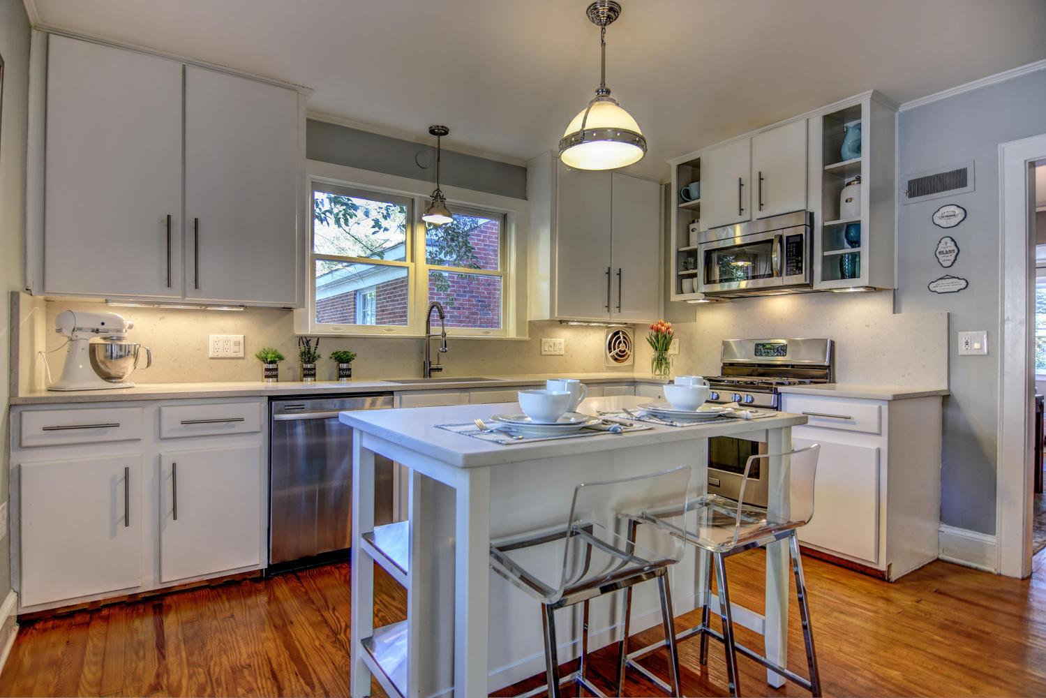 309 N 23rd St Wilmington NC-large-007-8-Kitchen-1499x1000-72dpi.jpg
