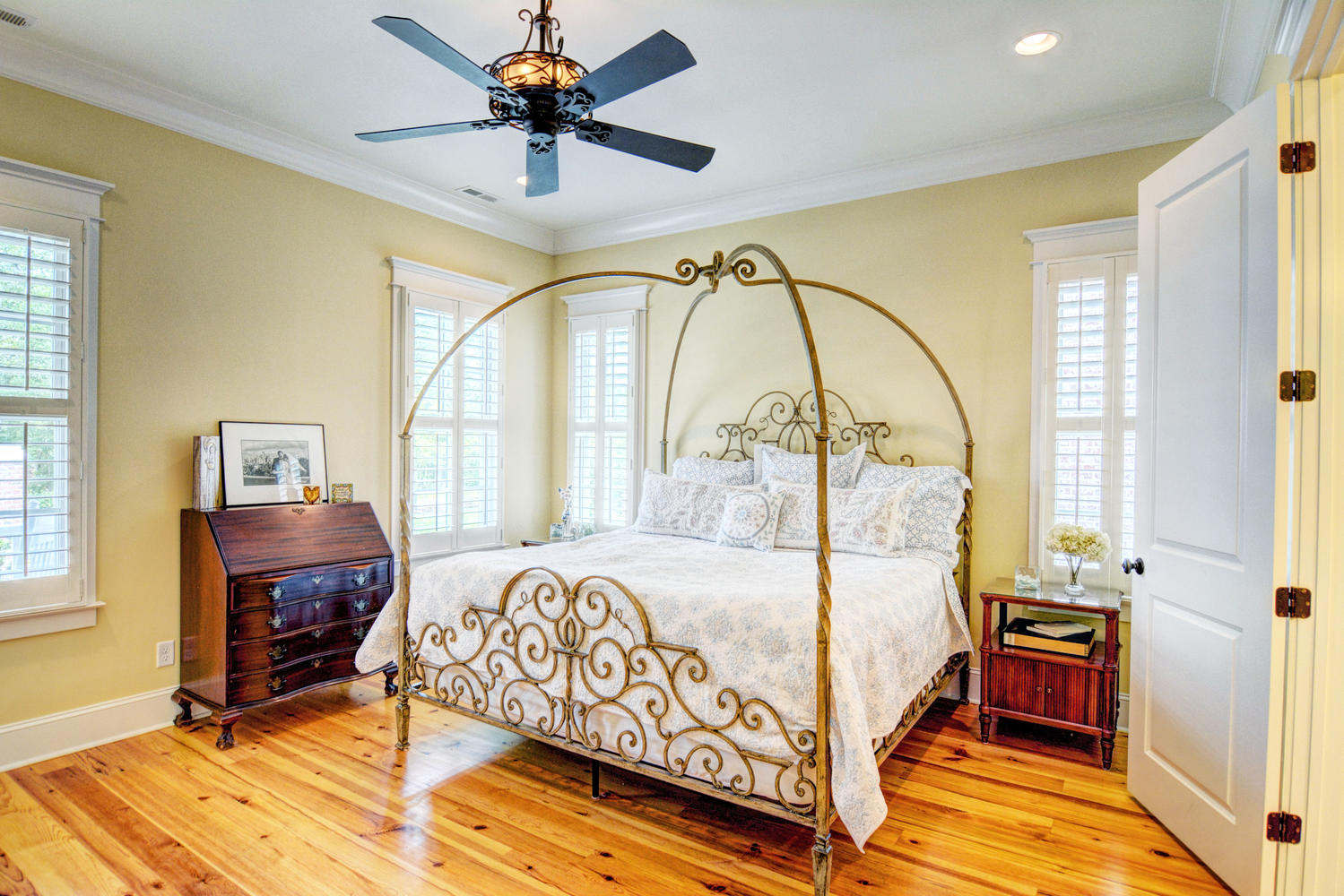 733 Susquehanna Ln Wilmington-large-012-20-Master Bedroom-1499x1000-72dpi.jpg