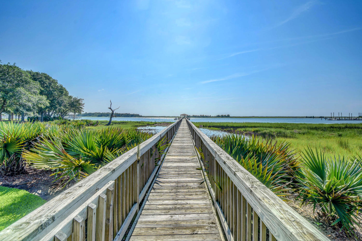 7422 Sea Lilly Ln Wilmington-large-022-268-Private pier over the ICWW-1500x1000-72dpi.jpg