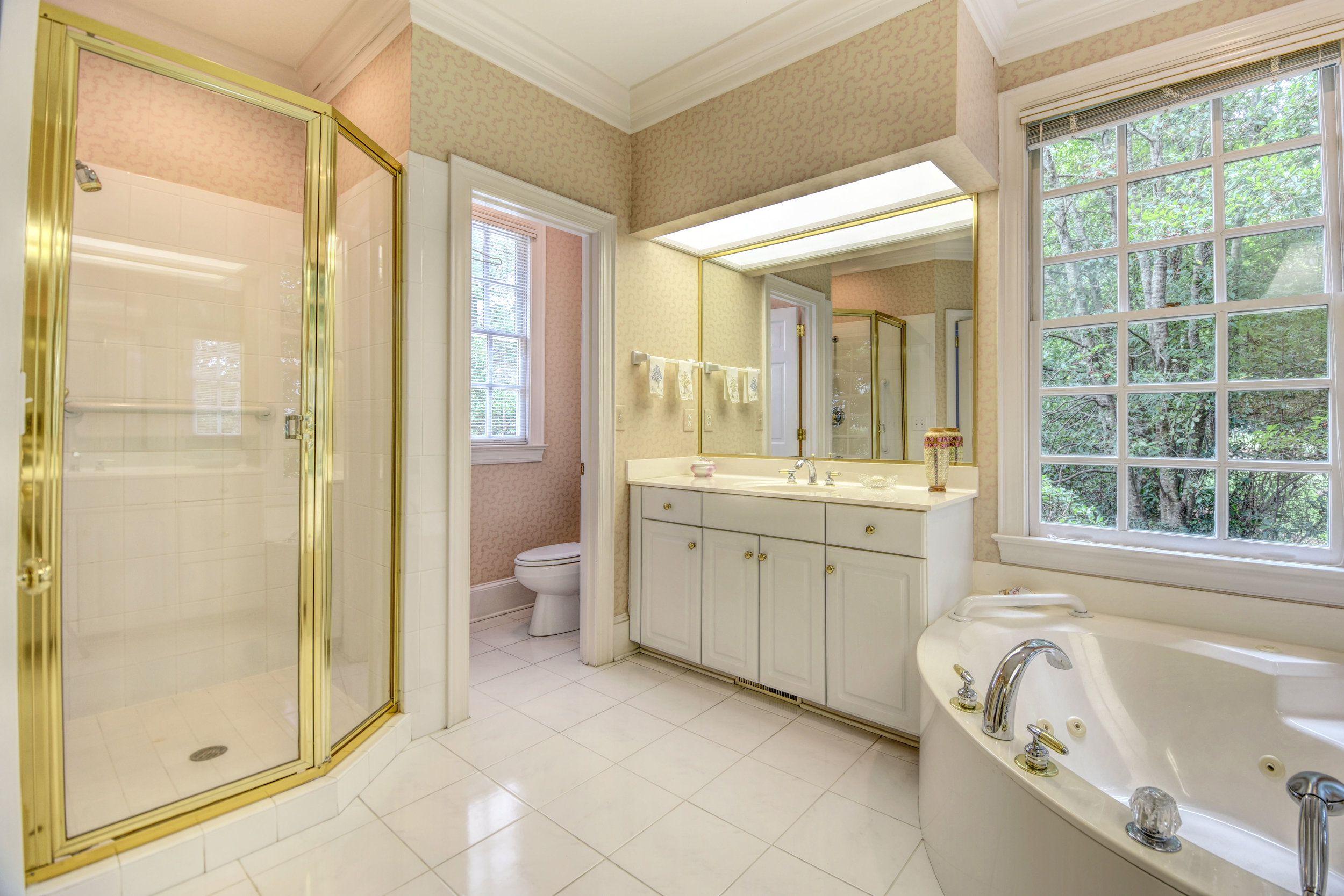 1501 Pembroke Jones Dr-print-019-30-Master Bathroom-4200x2804-300dpi.jpg