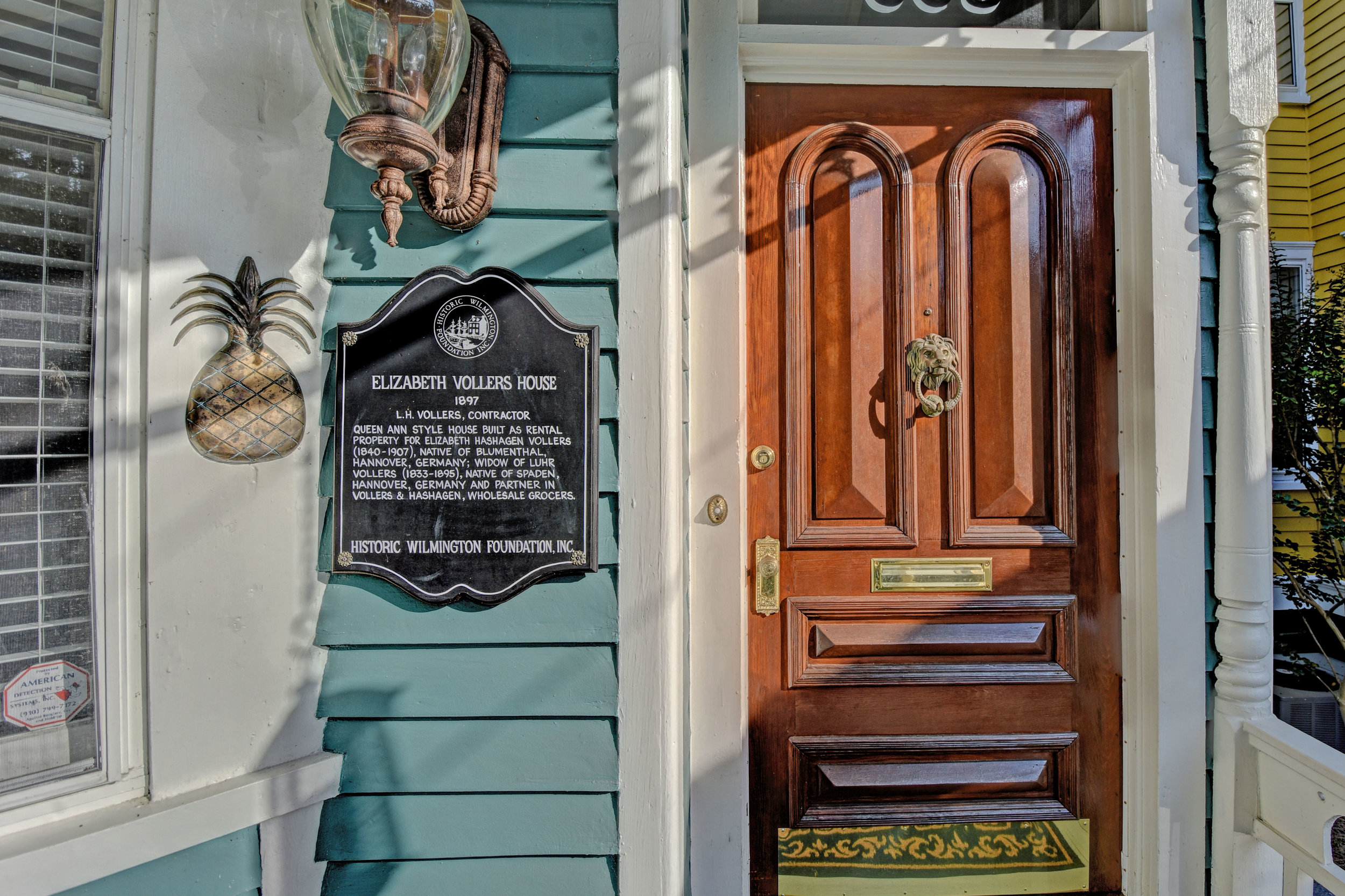 605 Dock St Wilmington NC-print-004-5-Front door detail-4200x2801-300dpi.jpg