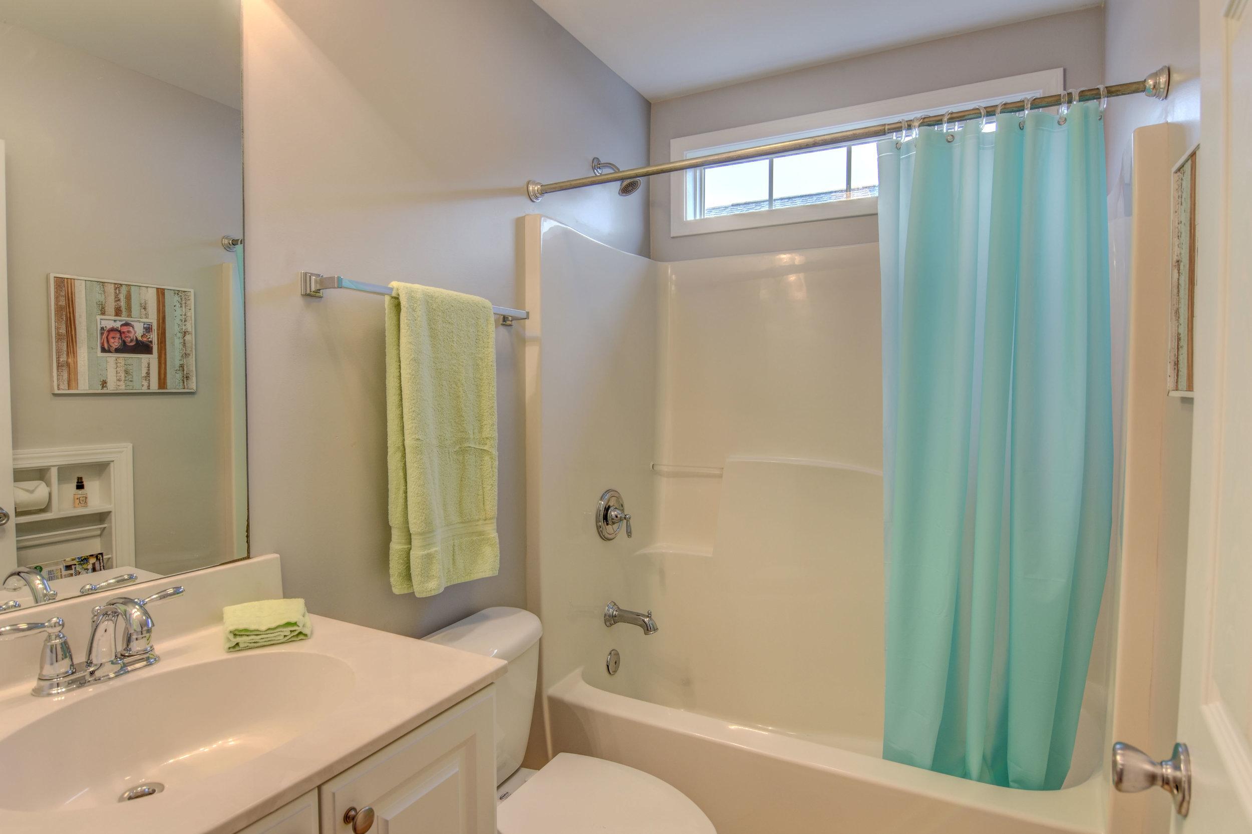 5083 Northgate Dr Leland NC-print-021-18-Bathroom 2-4200x2799-300dpi.jpg