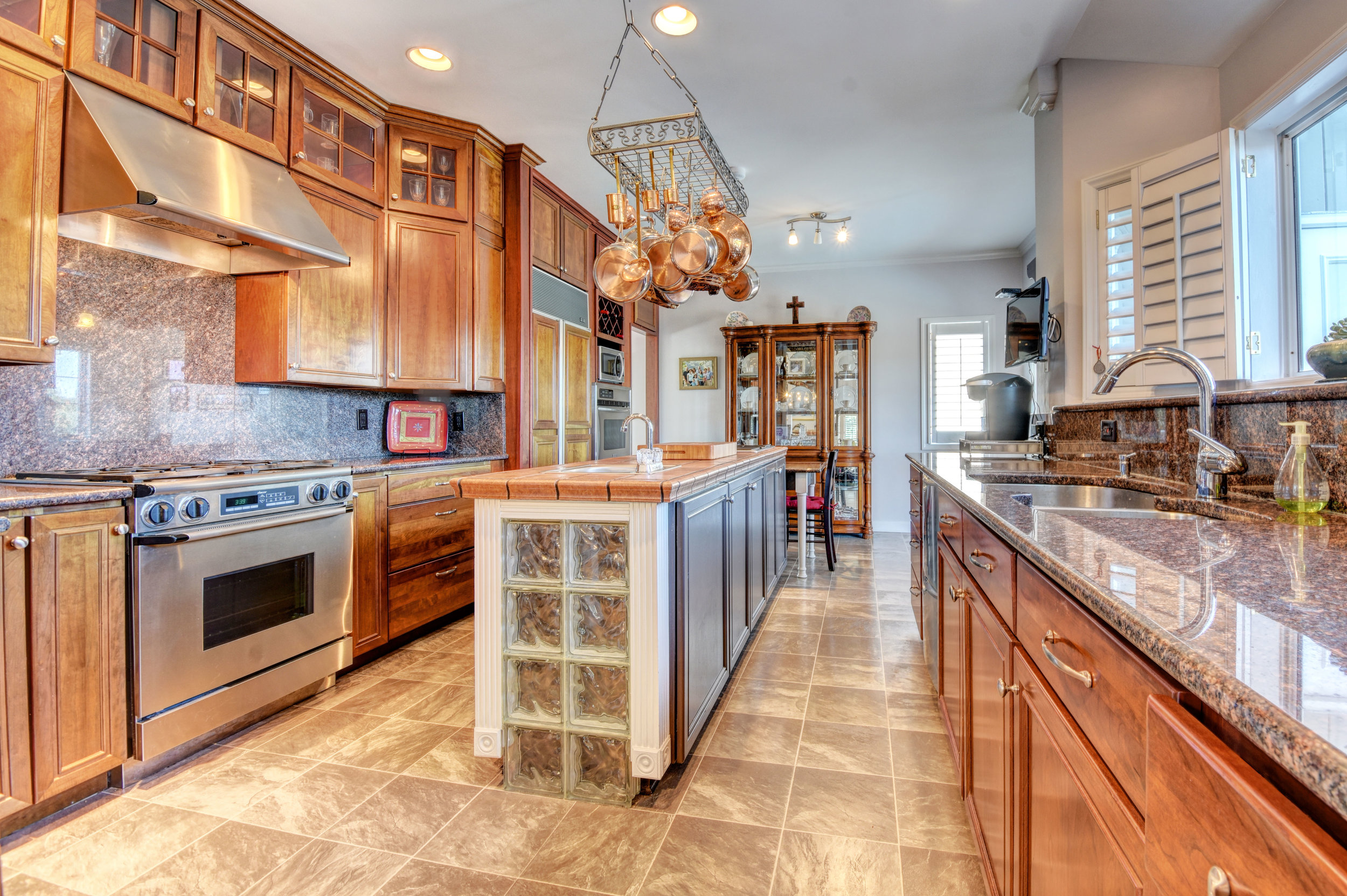 842 Shinn Point Rd Wilmington-print-029-77-Kitchen-4200x2796-300dpi.jpg