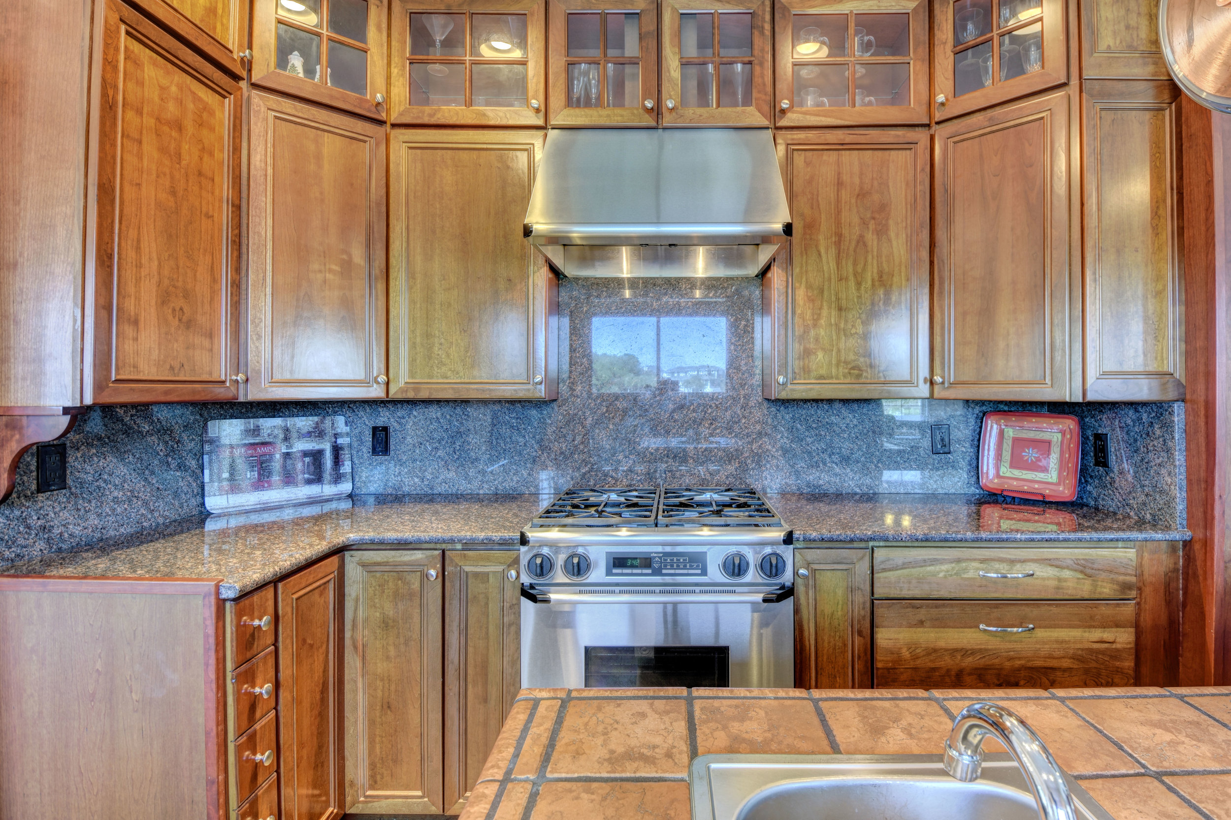 842 Shinn Point Rd Wilmington-print-031-67-Kitchen-4200x2800-300dpi.jpg