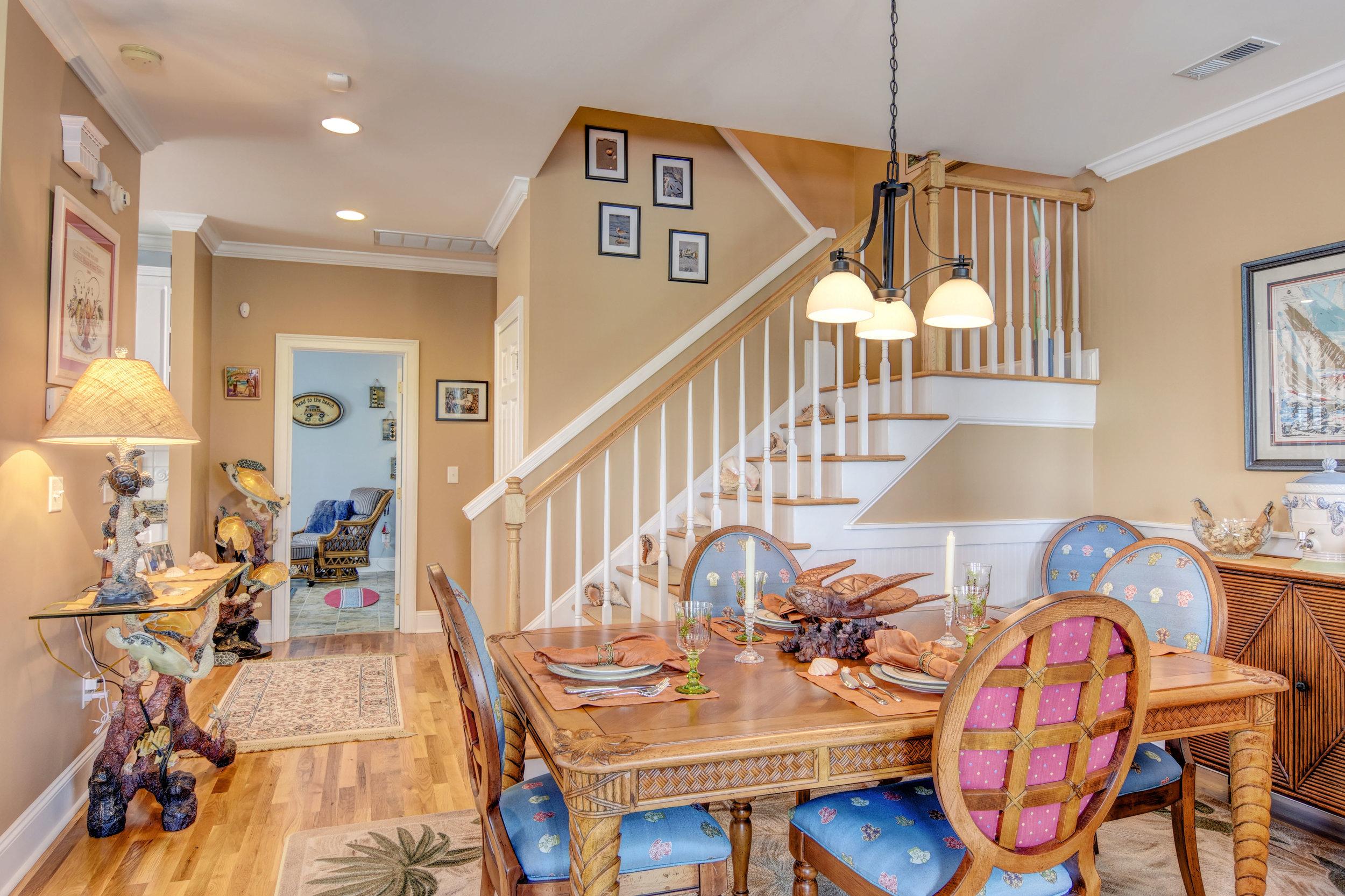 205 Silver Sloop Way Carolina-print-007-10-Dining Area-4200x2799-300dpi.jpg
