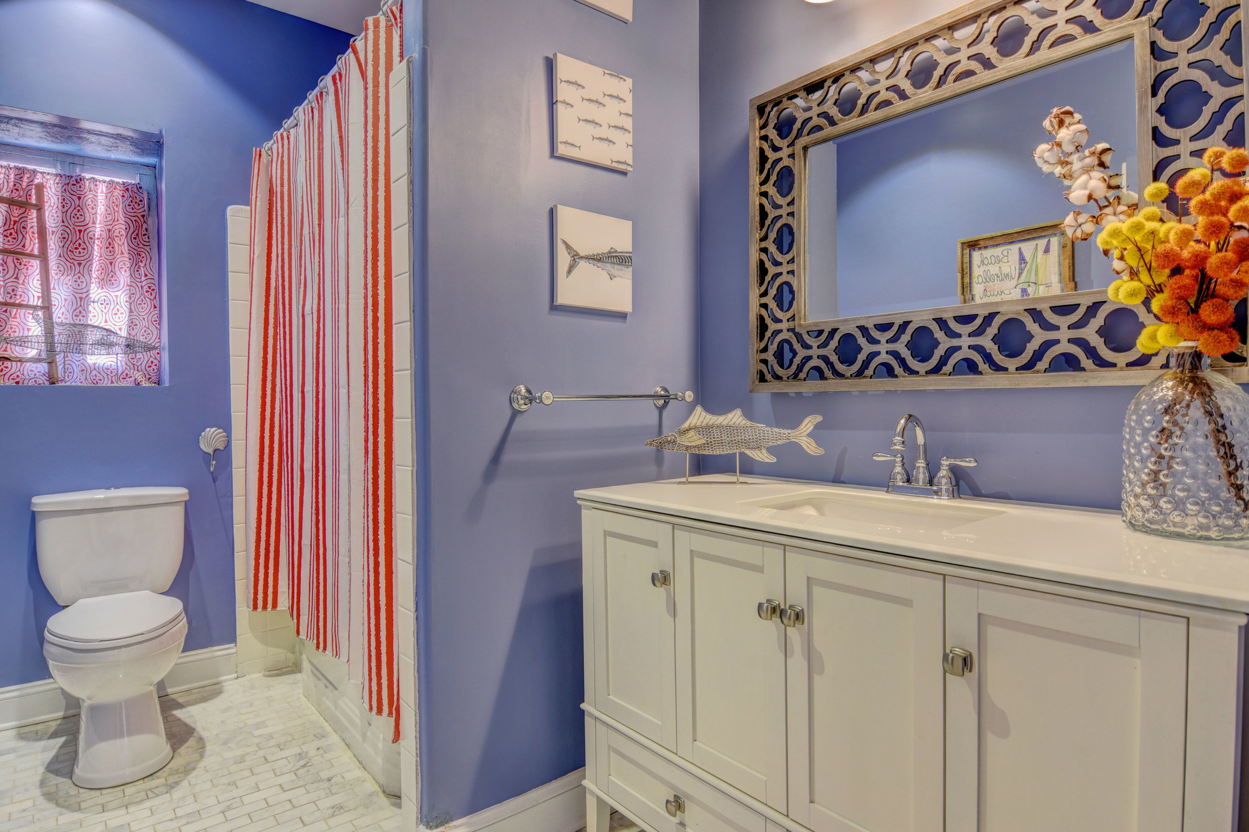 406 Woodland Dr Jacksonville-print-023-10-Hall Bath-4200x2800-300dpi.jpg