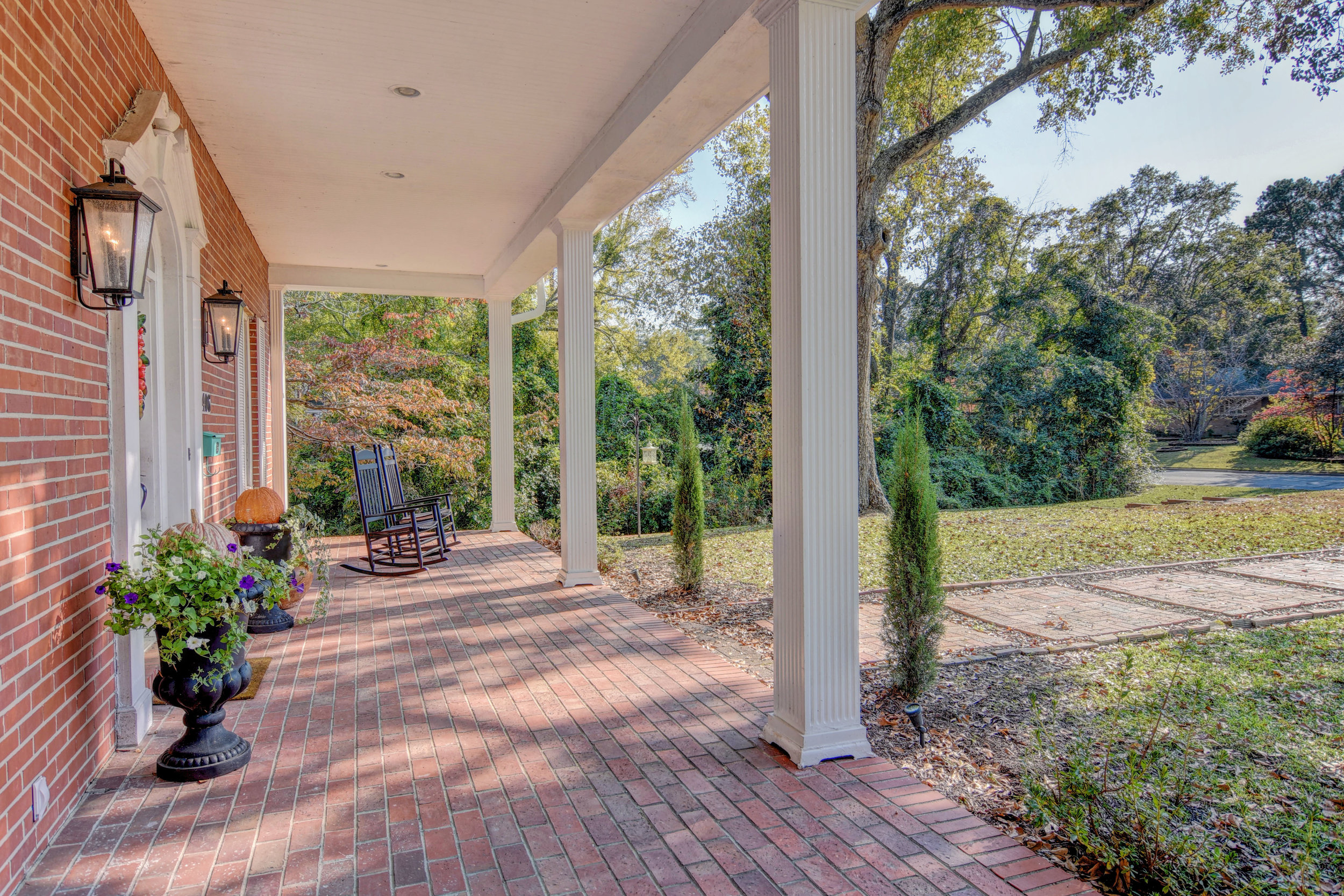 406 Woodland Dr Jacksonville-print-006-4-Front Porch-4200x2801-300dpi.jpg