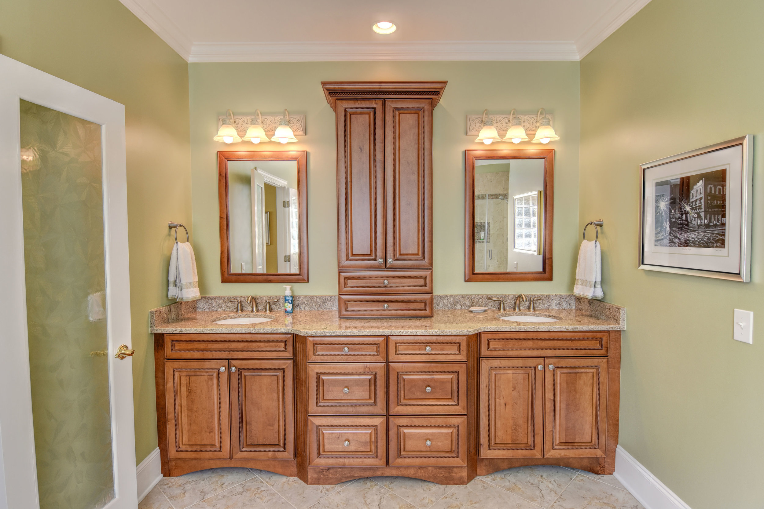 5024 Crown Point Ln Wilmington-print-024-27-Master Bath-4200x2801-300dpi.jpg