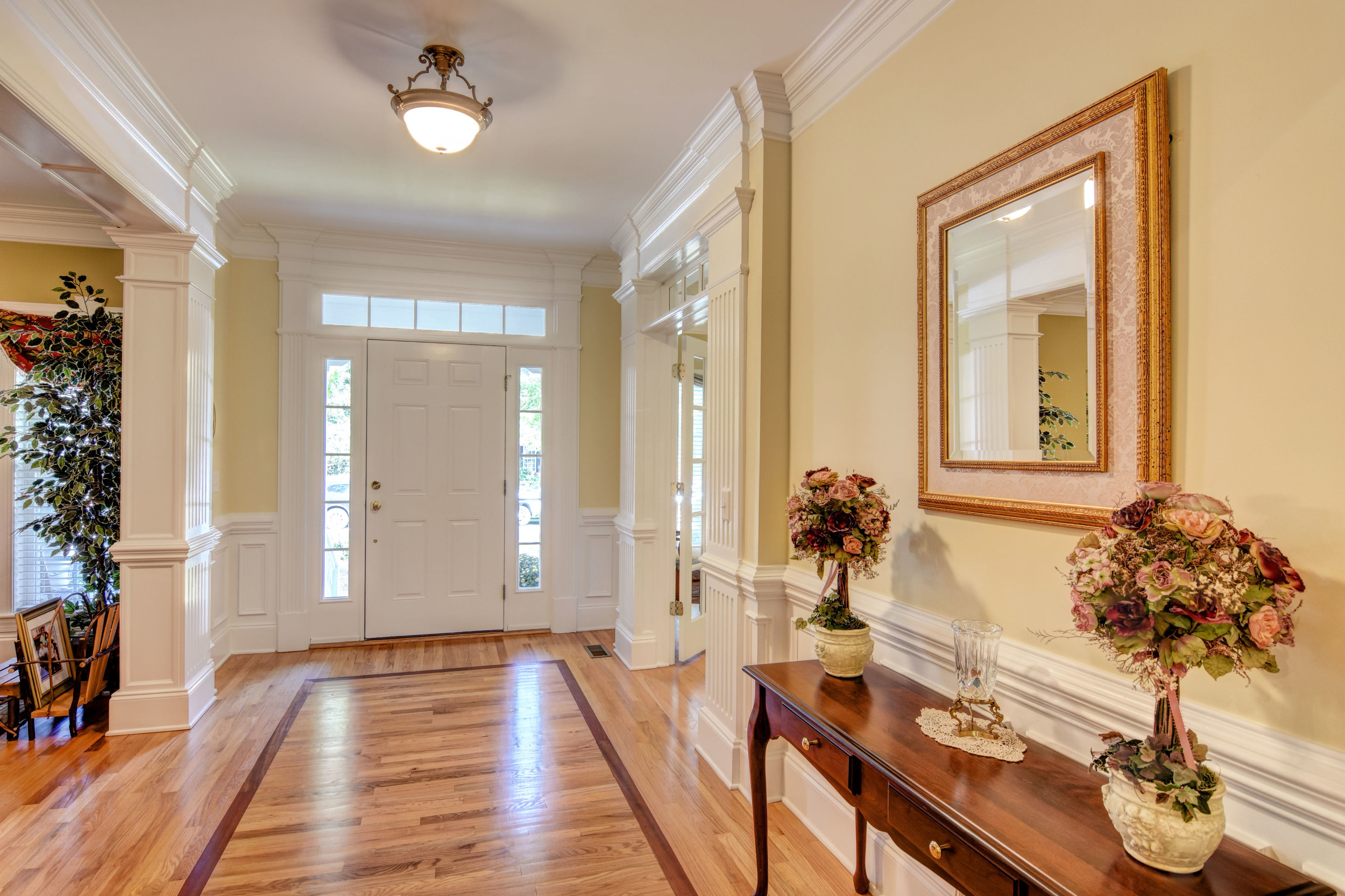 5024 Crown Point Ln Wilmington-print-005-16-Foyer-4200x2800-300dpi.jpg