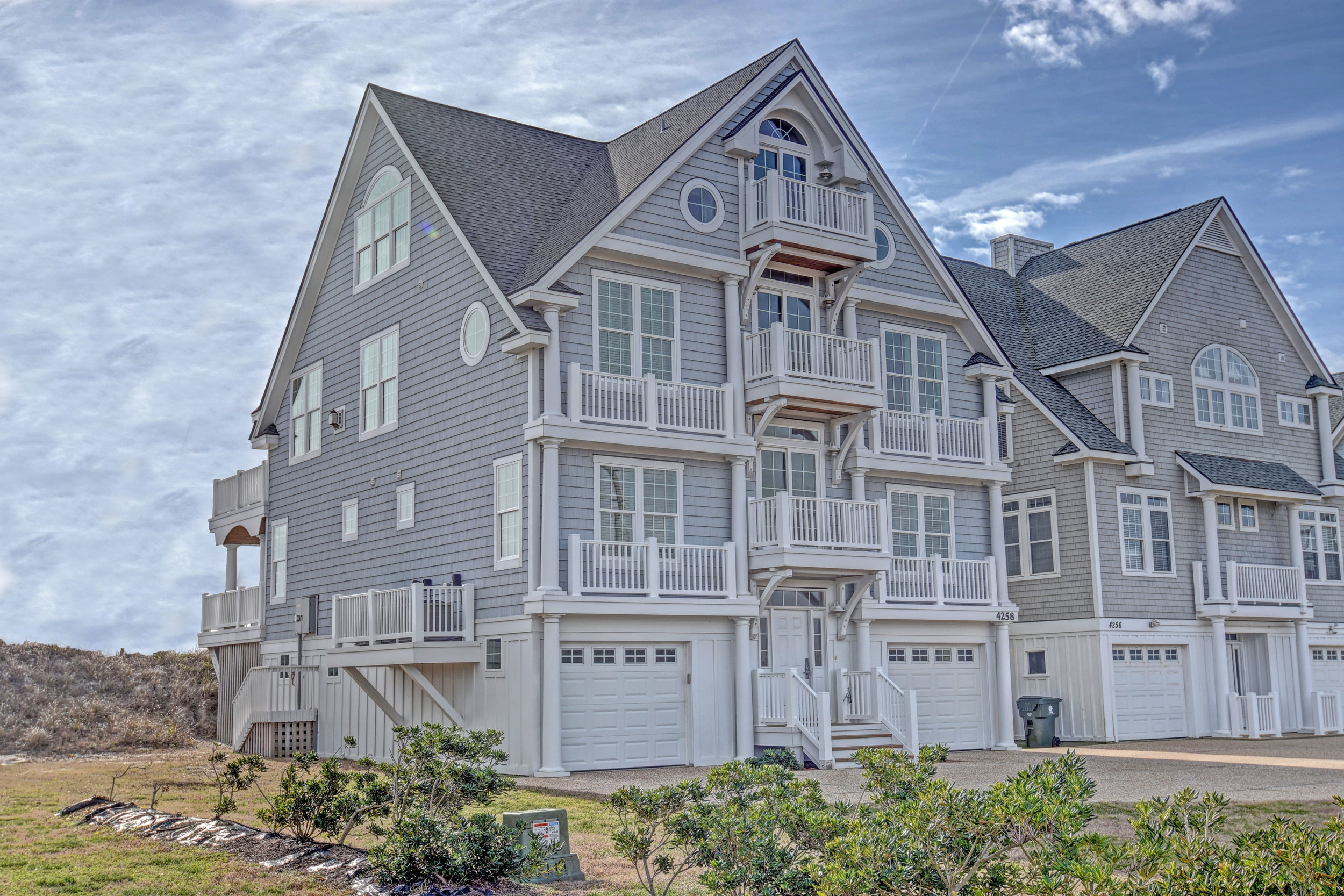 4258 Island Dr North Topsail-print-002-10-Exterior  Side-4200x2801-300dpi.jpg