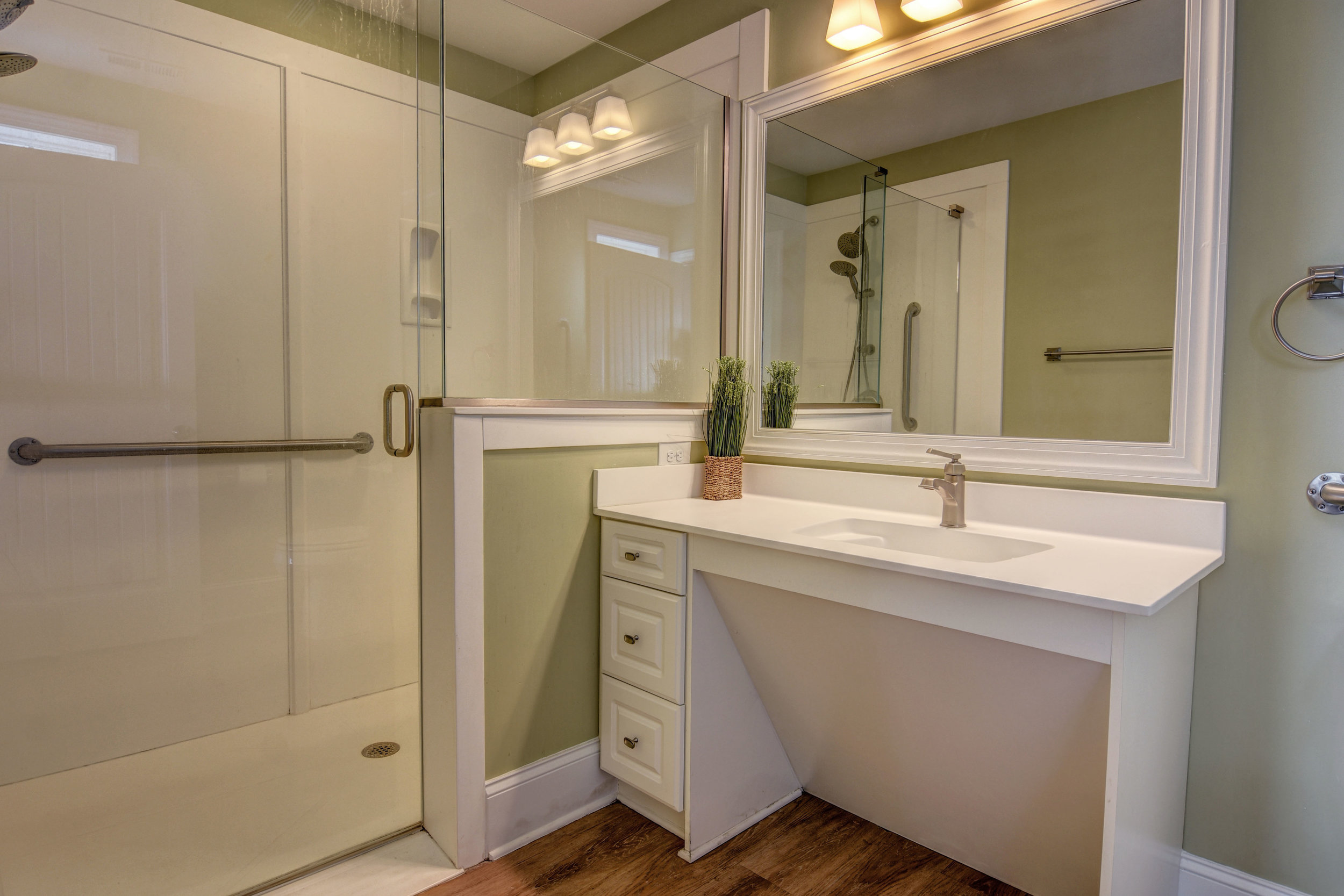 4258 Island Dr North Topsail-print-031-3-Bathroom-4200x2802-300dpi.jpg