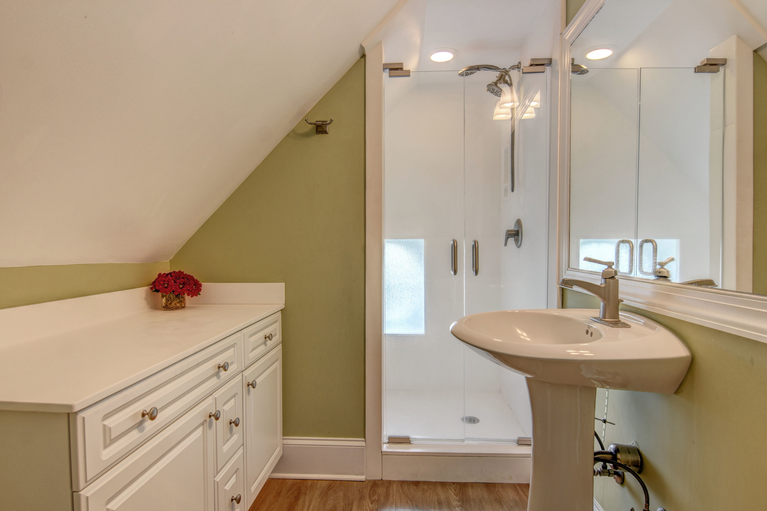 4258 Island Dr North Topsail-print-052-7-Bathroom-4200x2801-300dpi.jpg