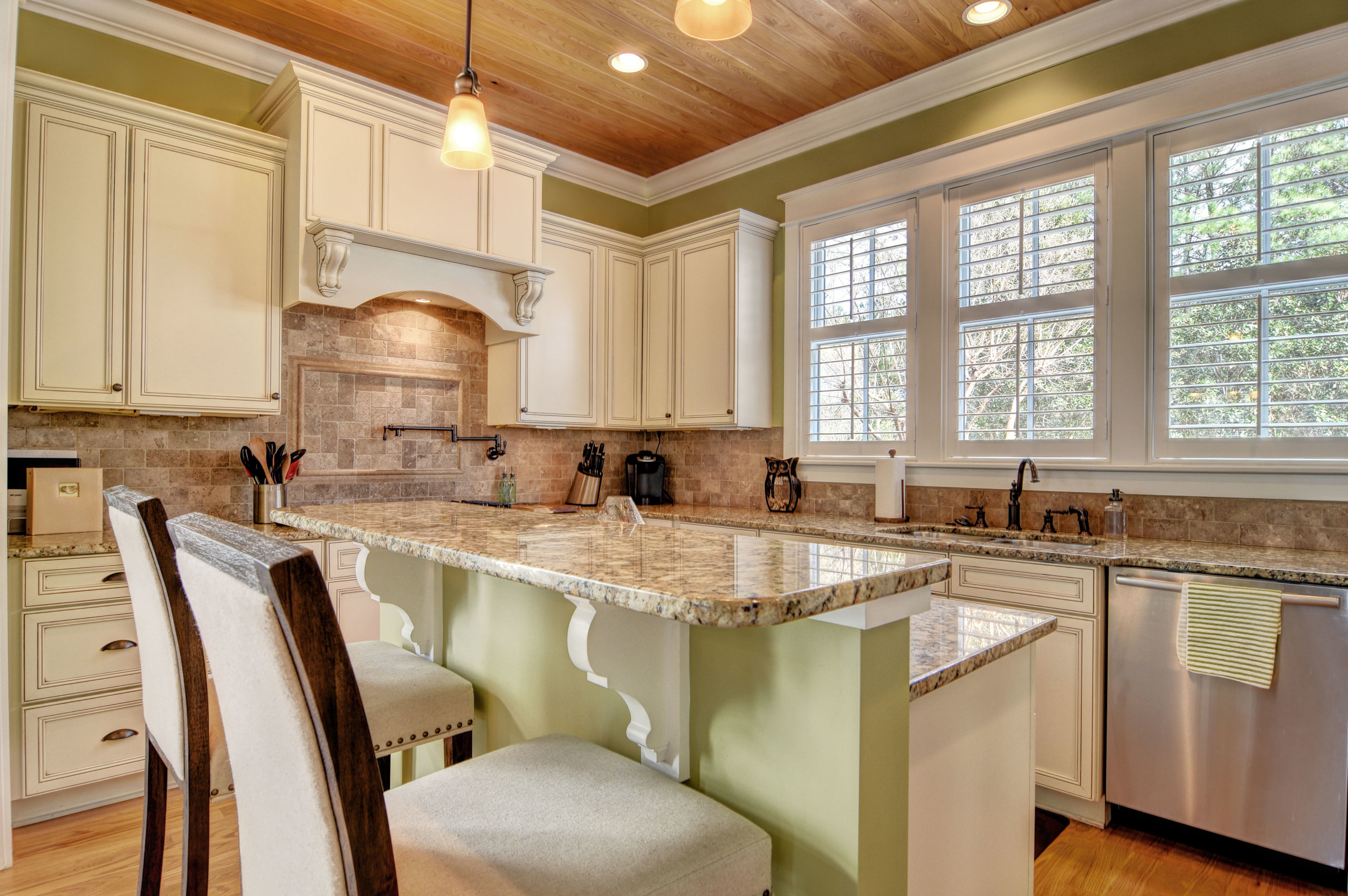 1037 Anchors Bend Way-print-009-14-Kitchen-4200x2795-300dpi.jpg