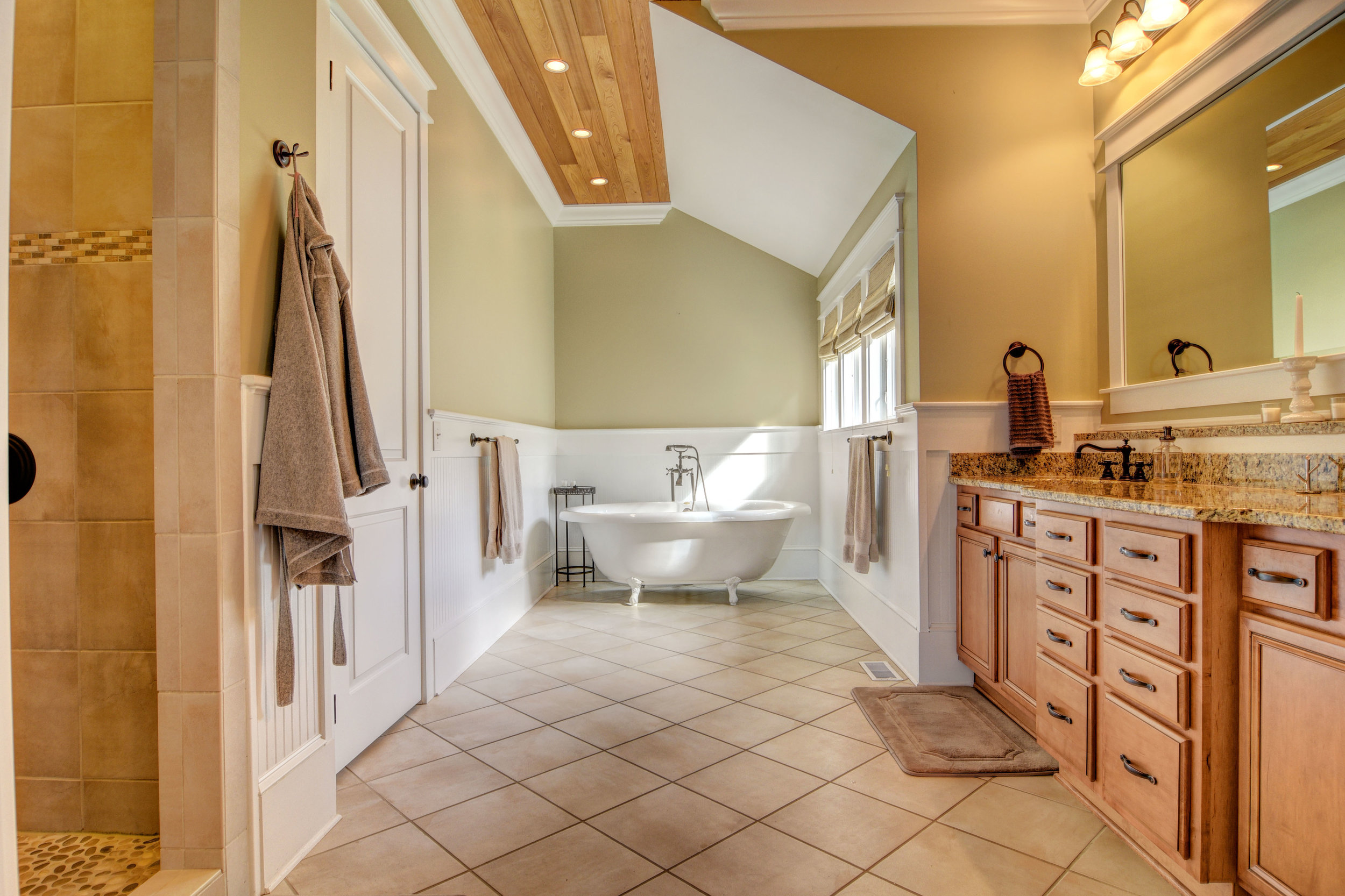 1037 Anchors Bend Way-print-017-4-Master Bath-4200x2799-300dpi.jpg