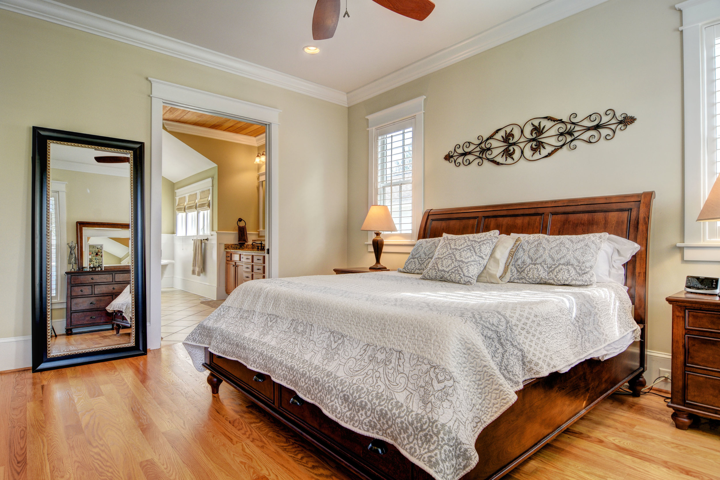 1037 Anchors Bend Way-print-015-25-Master Suite-4200x2801-300dpi.jpg