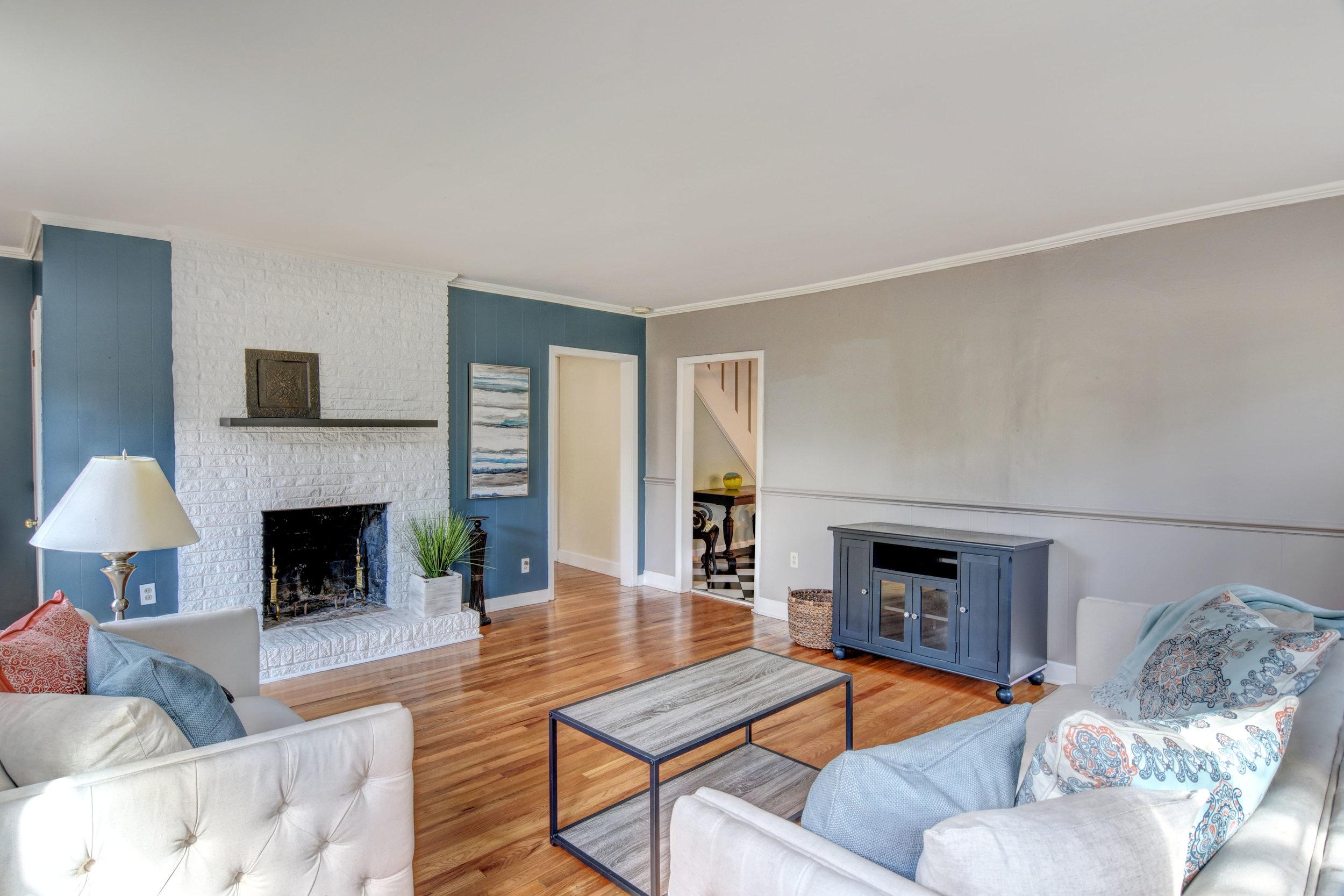 2101 Plaza Dr Wilmington NC-print-005-3-Living Room-4200x2801-300dpi.jpg