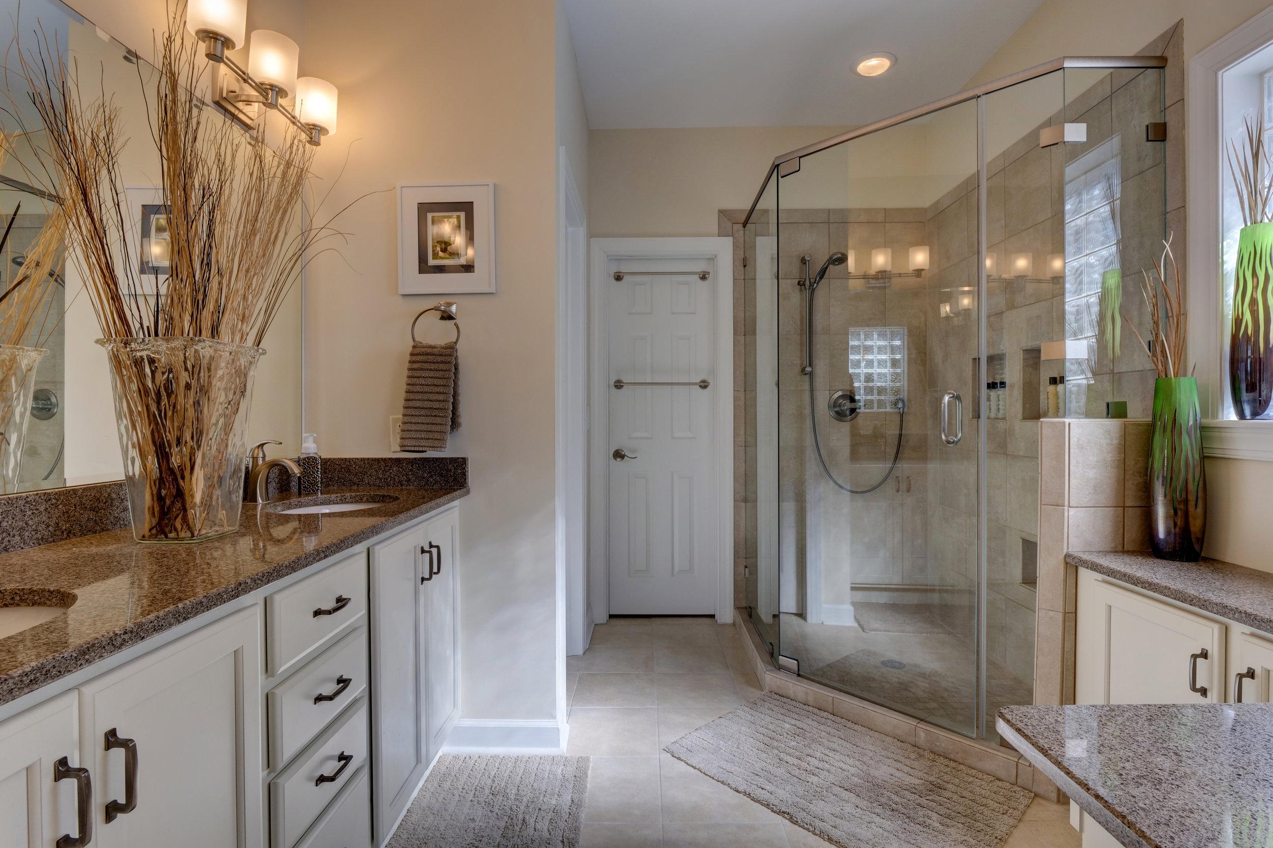 509 N Shore Dr Sneads Ferry NC-print-023-3-Master Bath-4200x2799-300dpi.jpg