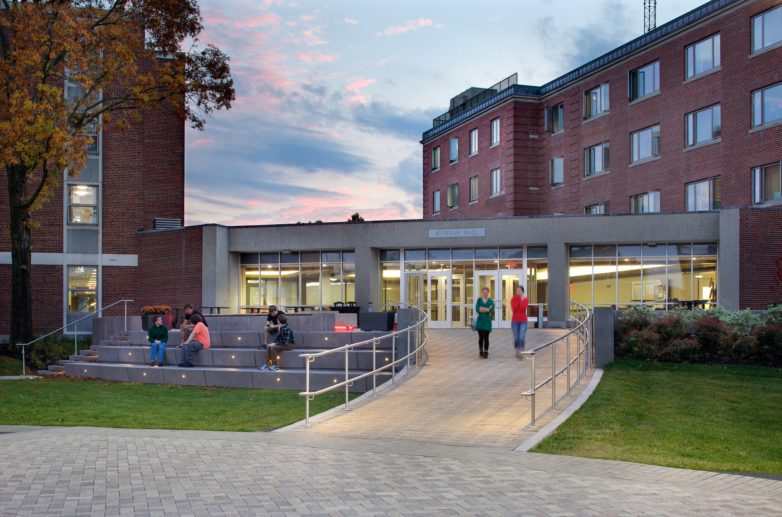 The Wedge provides a welcoming entry to Morgan Hall with terraced seating to engage with the Quad. (Photo by Ed Wonsek)