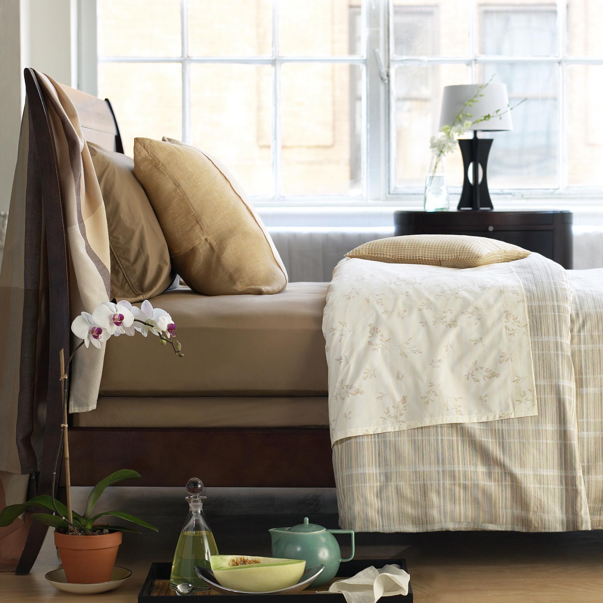 Bed & Linens.jpg
