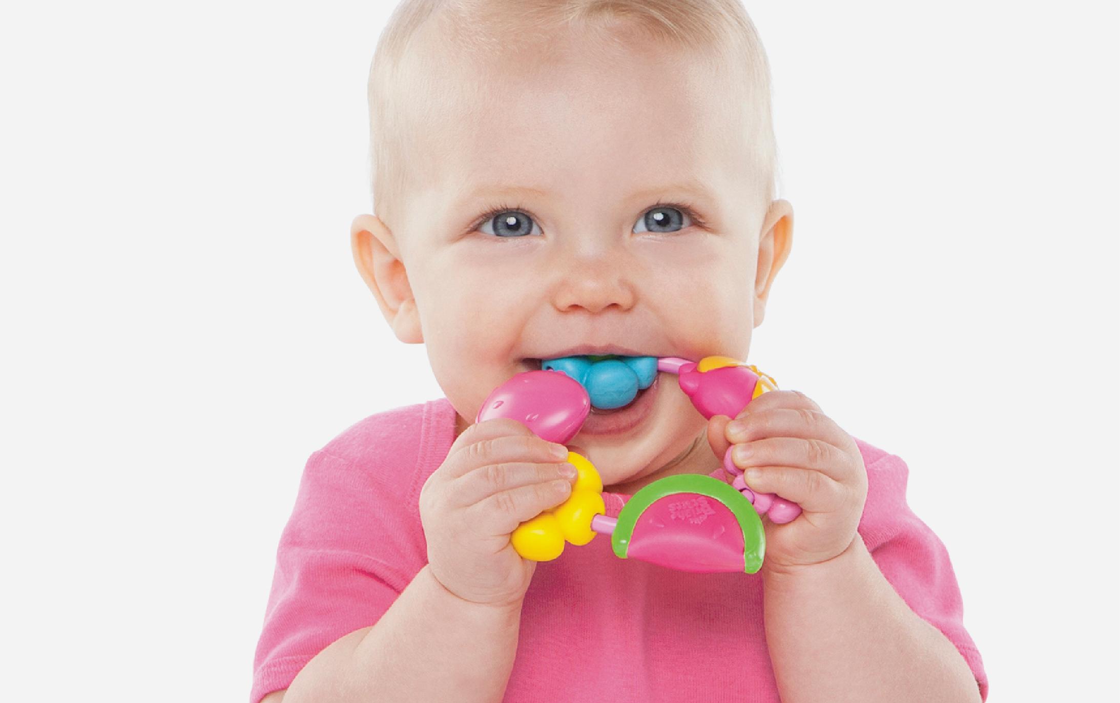 KIDS II   buggie bites teether bead designs