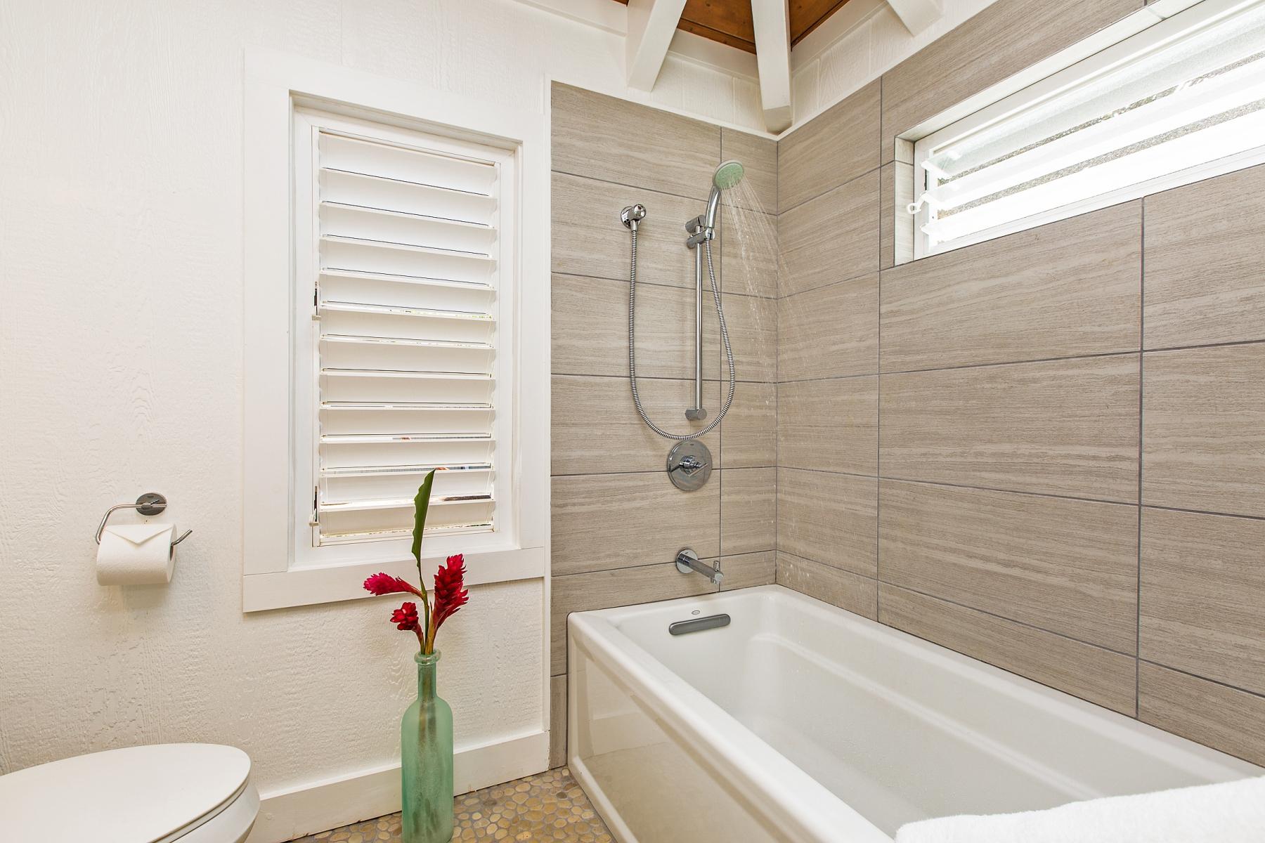 3rd-Bathroom.jpg_1800x1200_2194185.jpg