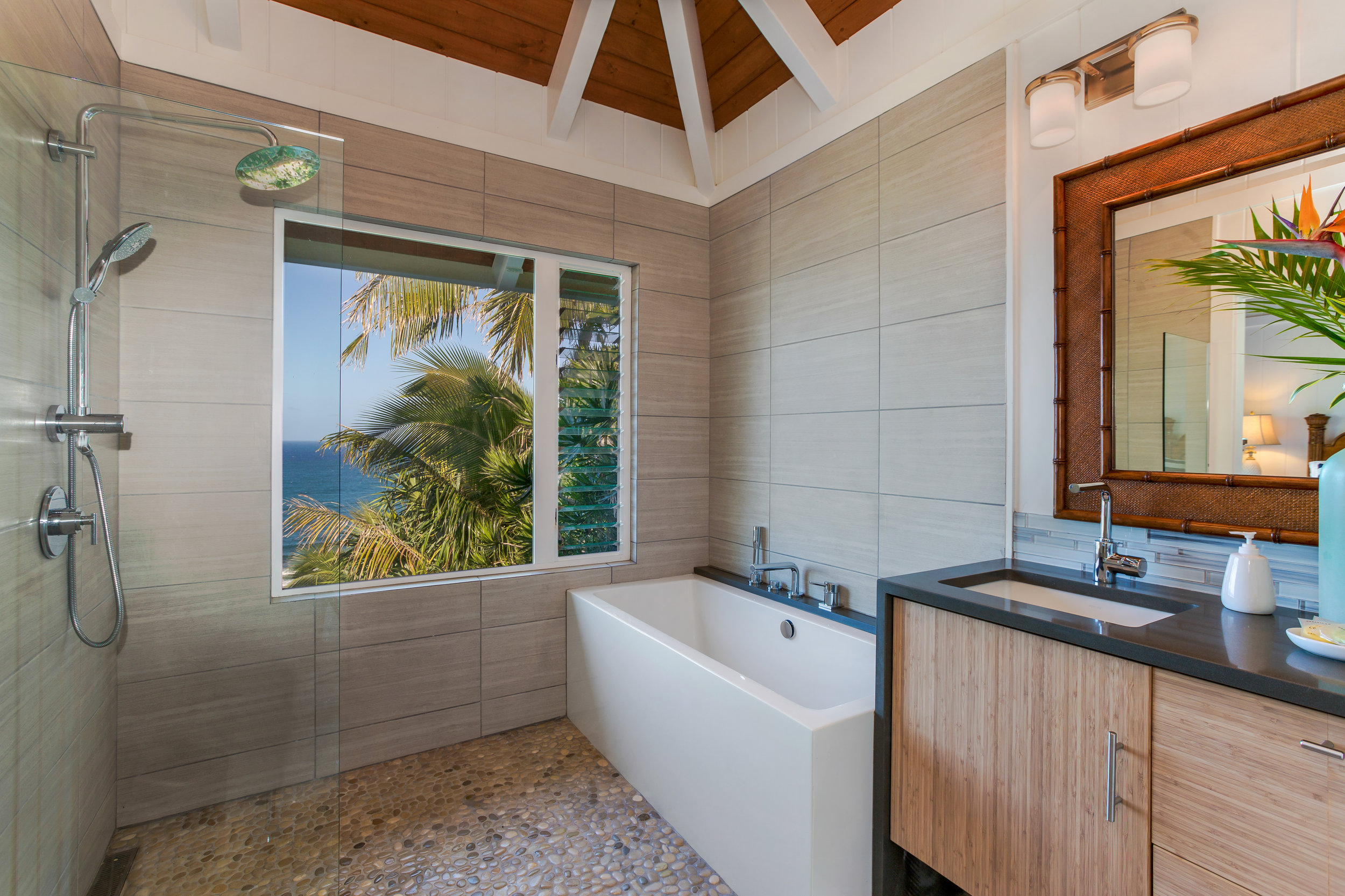 Ocean views, surf sounds and trade wind breezes for your bathing pleasure.