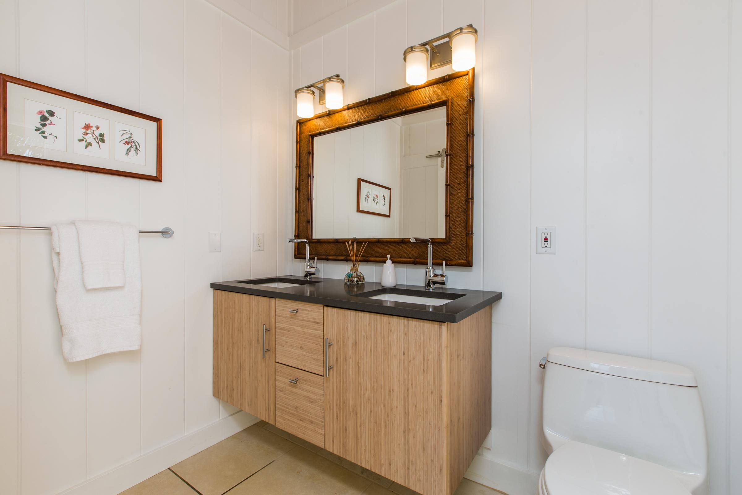 2nd-Bathroom.jpg_high_2194177.jpg