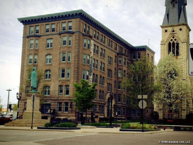 Saint James Court
