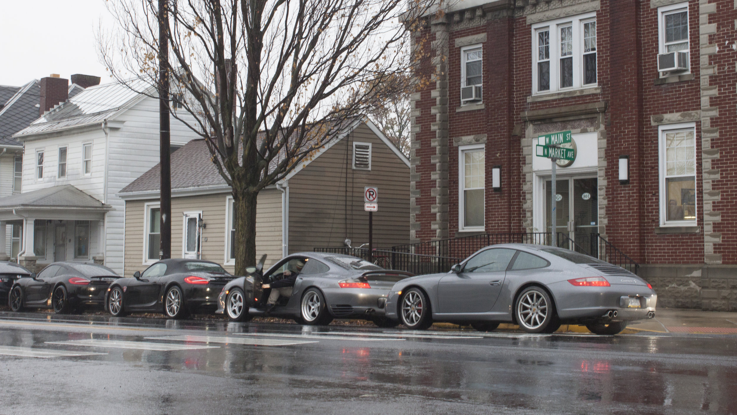 Porsche-clubcars.jpg