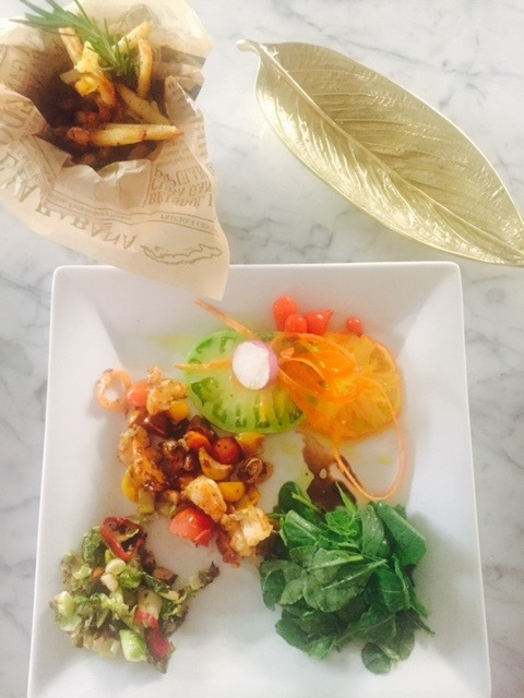 Spicy shrimp, heirloom tomatoes with garlic and tomatoes, arugula & romaine mixed with sweet peppers and Rosemary fries